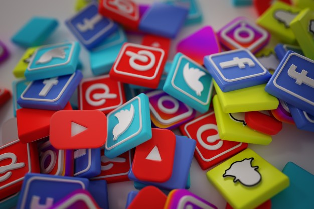 7 Steps To Building a Social Media Presence - Featured